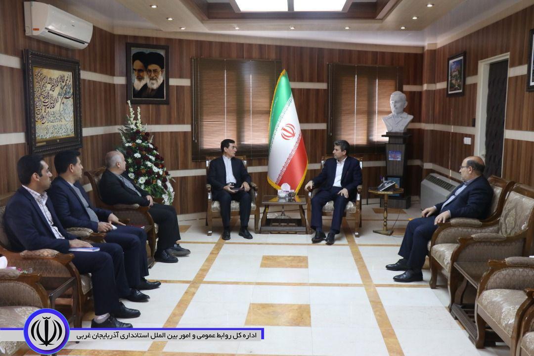 دفاتر نمایندگی وزارت خارجه در استانها در توسعه اقتصادی و مراودات منطقه ای نقش مهمی می توانند ایفا کنند