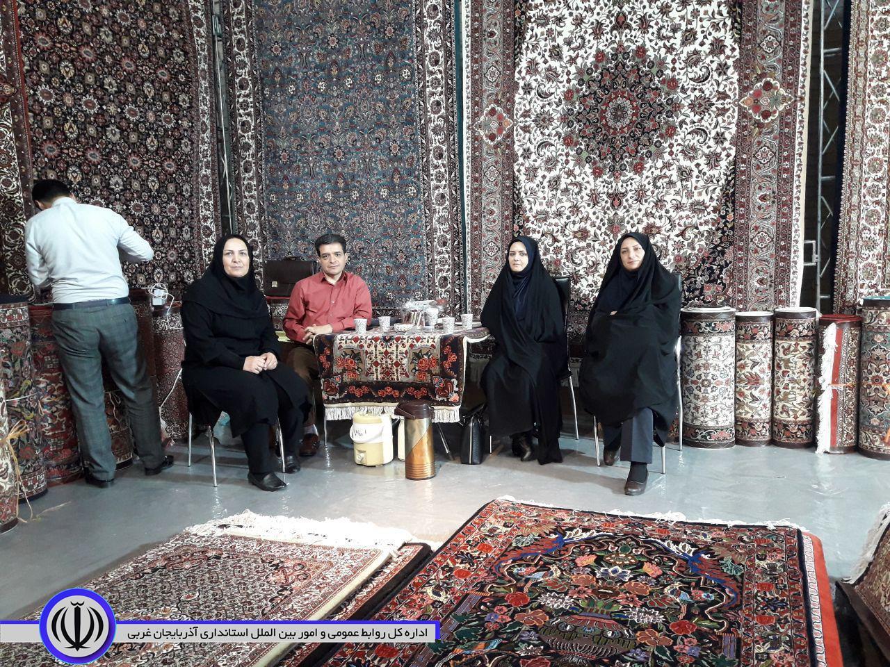 حضور مدیرکل امور زنان و خانواده استانداری در بیست وهشتمین نمایشگاه فرش دستباف و تجلیل از بافندگان برتر استانی
