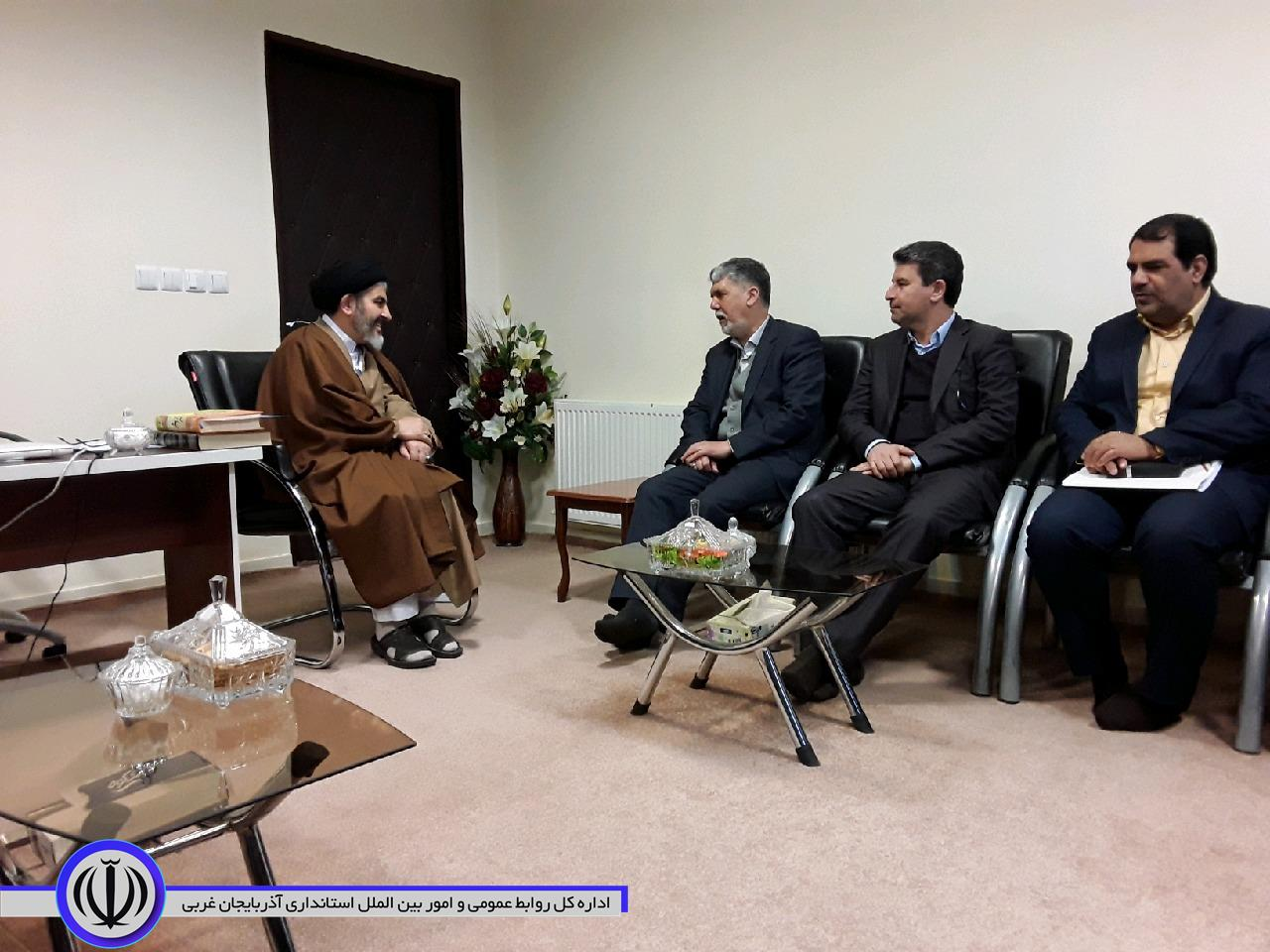 دیدار وزیر فرهنگ و ارشاد اسلامی و استاندار آذربایجان غربی با نماینده ولی فقیه در استان