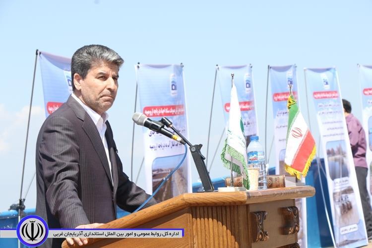 بازدید استاندار آذربایجان غربی از دریاچه ارومیه + آلبوم تصویری