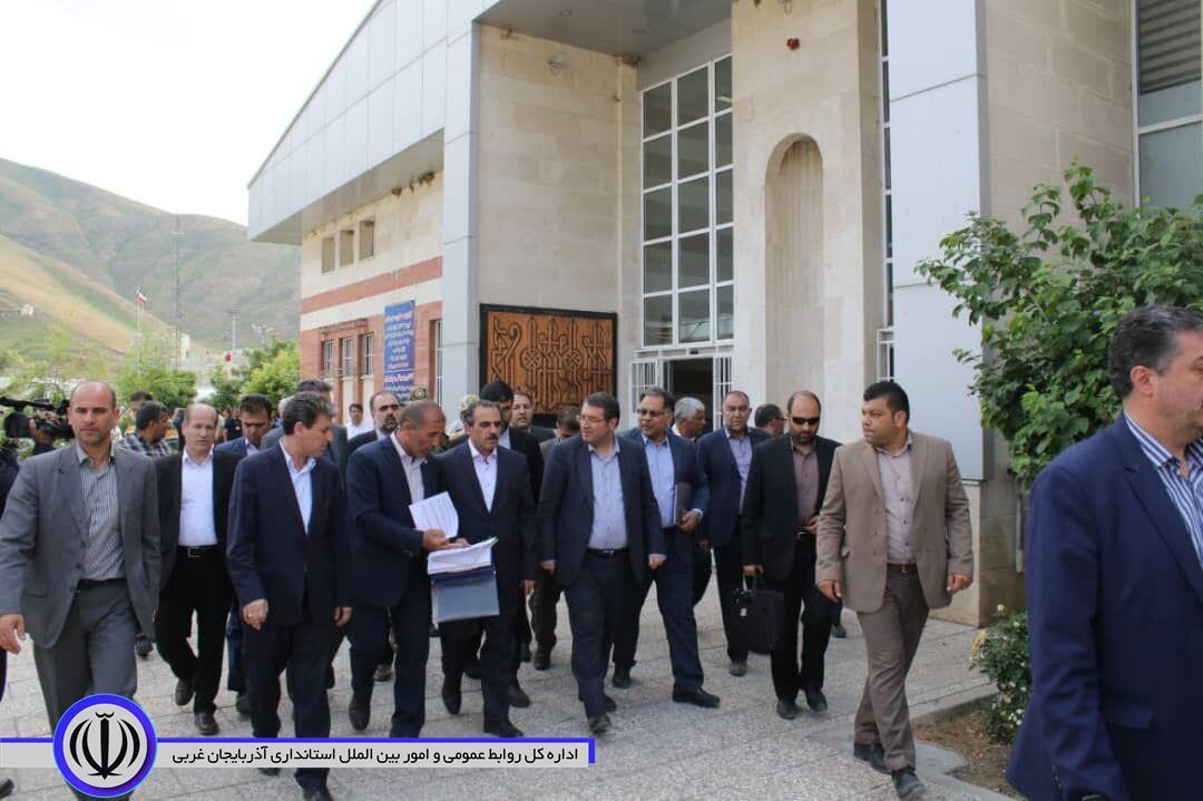 وزیر صنعت به همراه استاندار آذربایجان غربی از مرز رسمی تمرچین پیرانشهر بازدید کرد