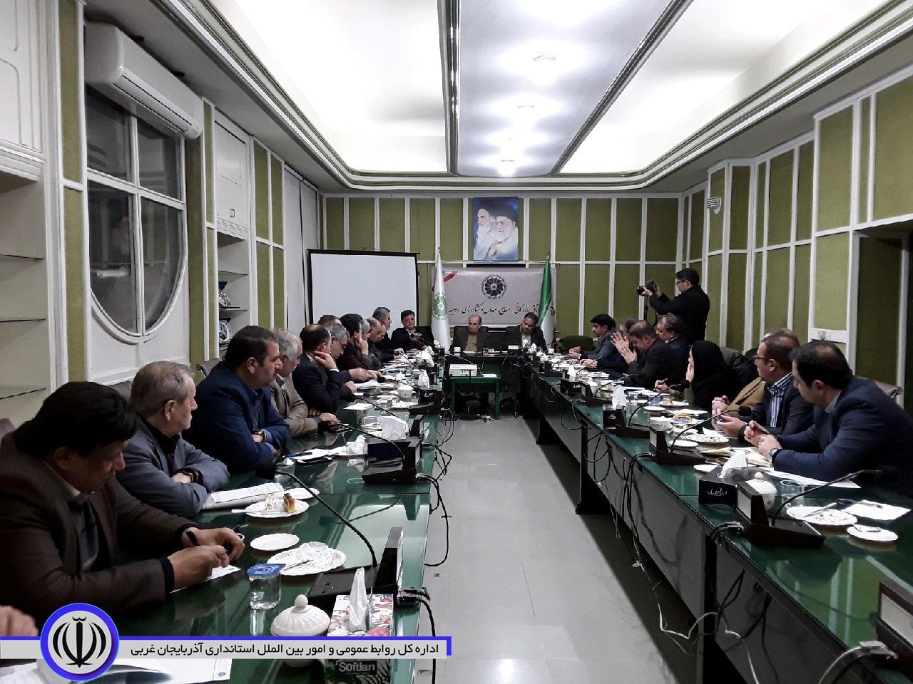 جلسه بررسی و تعیین بازارهای هدف صادراتی استان برگزار شد